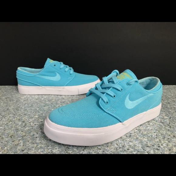 b78f748f5366 Nike sb Janoski sky blue vivid shoes